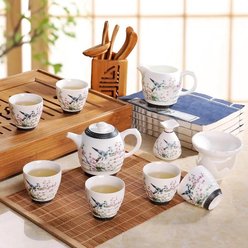 手绘玉雪梅花鸟11头青花瓷茶具