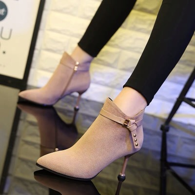 小跟短靴女春秋细跟马丁靴2018新款高跟鞋秋冬瘦瘦靴网红尖头裸靴