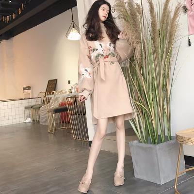 秋季新款韩国chic复古风松鹤绣花半高领长袖毛呢开叉连衣裙带腰带