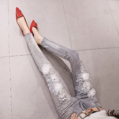 欧洲站2018夏秋女韩版新款花朵重工刺绣修身牛仔显瘦小脚铅笔长裤