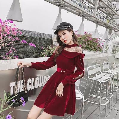 金丝绒性感红色连衣裙女秋冬季法国小众法式复古裙收腰很仙的裙子