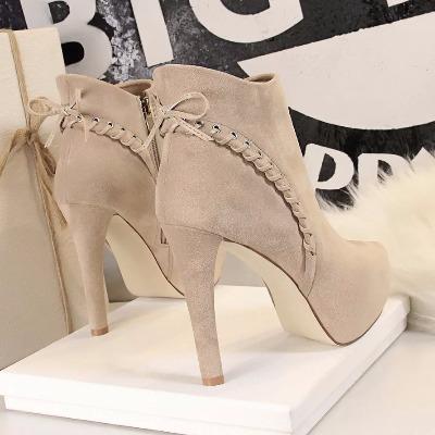 韩版2018秋冬季新款女鞋12cm高跟鞋细跟百搭尖头短靴时尚马丁靴潮